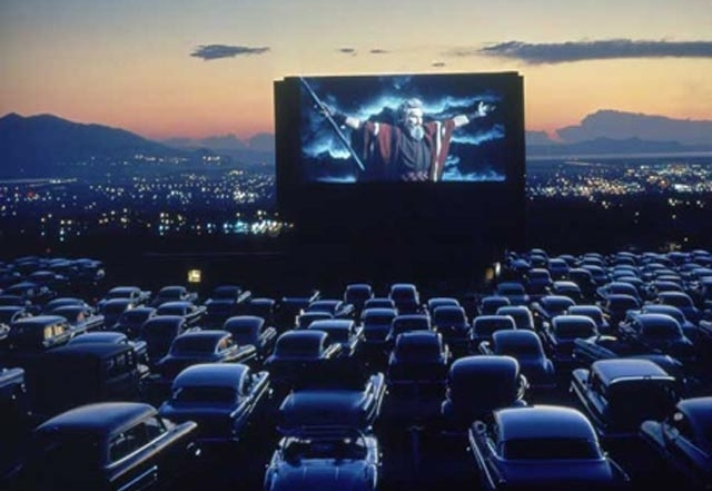 teenage-mutant-ninja-turtles-drive-in